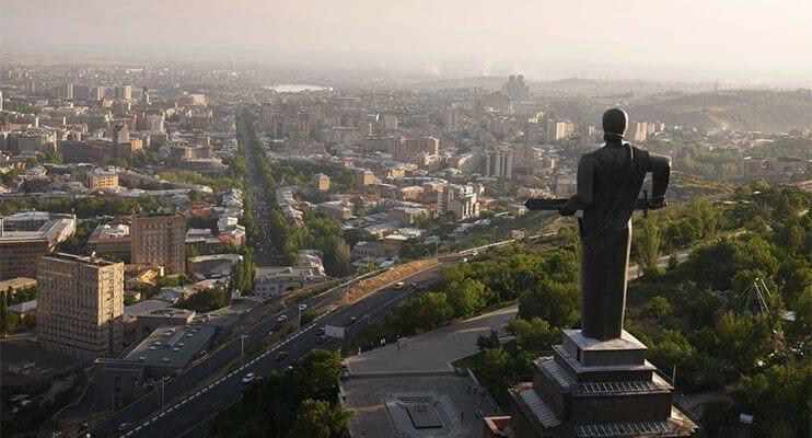 مجسمه مادر در ارمنستان