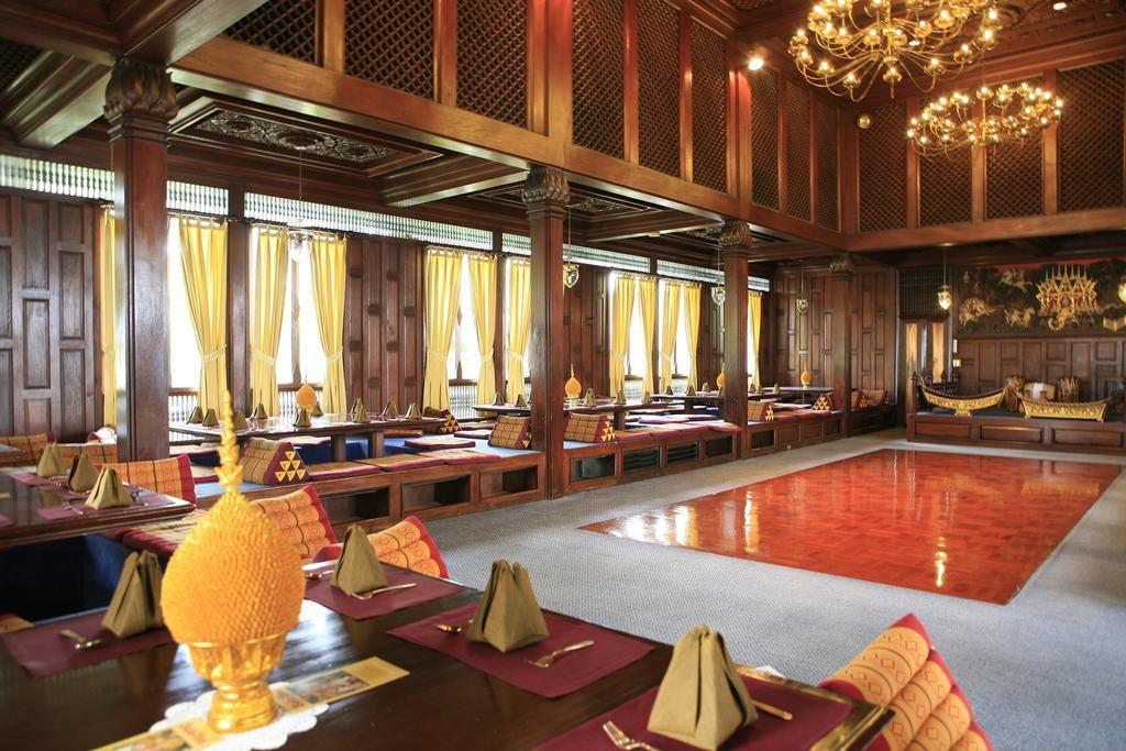 هتل Indra regent