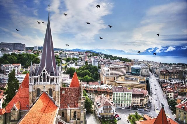 L2F-Aug-17-pic-Switzerland-Lausanne-cityscape-640×427-min(1)